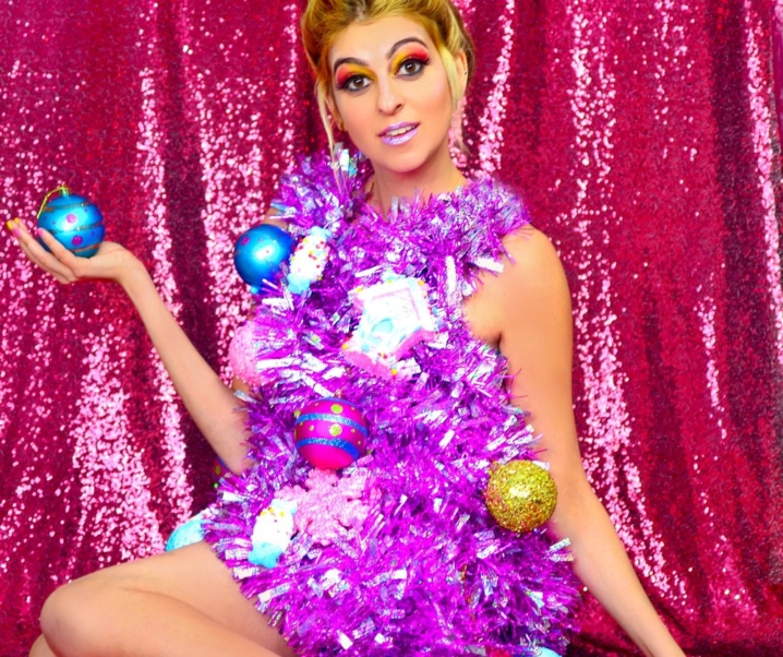 Lainey For The Holidays: Christmas Tree